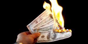 Bruciare i soldi